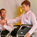 Фонд Свеча надежды осуществляет оказание различных видов помощи и поддержки инвалидам, детям с тяжелыми заболеваниями, детям-сиротам, престарелым людям, прежде всего находящимся на попечении государства, а также малообеспеченным категориям граждан и иным лицам, нуждающимся в помощи